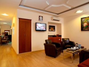 Blue Diamond Hotel Ho Chi Minh City - Suite Living Room