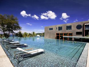 B-Lay Tong Phuket Phuket - Swimming Pool