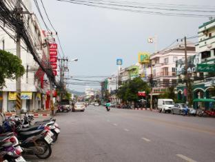 Lub Sbuy Guest House Phuket - Surroundings
