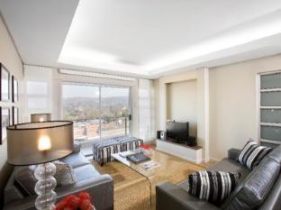 Genesis All-Suite Hotel Johannesburg - Lounge Area