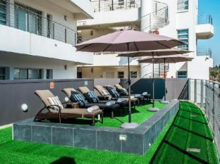 Genesis All-Suite Hotel Johannesburg - Pool Area