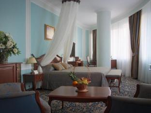 /onegin-hotel/hotel/yekaterinburg-ru.html?asq=jGXBHFvRg5Z51Emf%2fbXG4w%3d%3d
