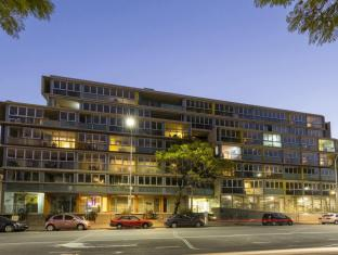 iStay Precinct Adelaide - Exterior
