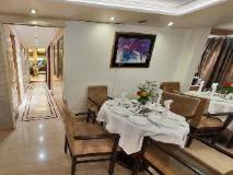 Executive Enclave Hotel: restaurant