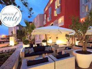 /valamar-riviera-hotel-villa-parentino/hotel/porec-hr.html?asq=GzqUV4wLlkPaKVYTY1gfioBsBV8HF1ua40ZAYPUqHSahVDg1xN4Pdq5am4v%2fkwxg