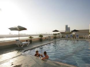 Winchester Hotel Apartments Dubai - Swimming Pool