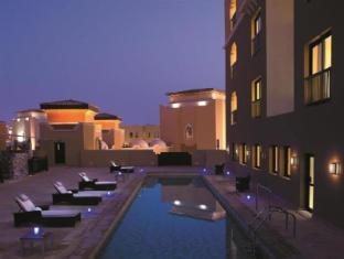 Traders Hotel Abu Dhabi by Shangri-La Abu Dhabi - Swimming Pool