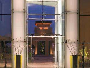 Traders Hotel Abu Dhabi by Shangri-La Abu Dhabi - Interior