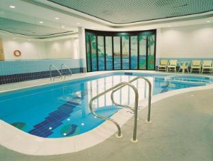 Number One Tower Suites Hotel Dubai - Kolam renang