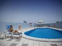 High End 2 Hotel Apartments LLC: swimming pool