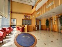 High End 2 Hotel Apartments LLC: reception