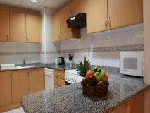 High End 2 Hotel Apartments LLC: kitchen