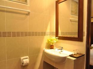 ヘミングウェイズ ホテル プーケット - バスルーム
