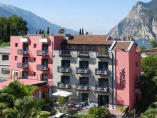 /hotel-garni-prince/hotel/riva-del-garda-it.html?asq=jGXBHFvRg5Z51Emf%2fbXG4w%3d%3d