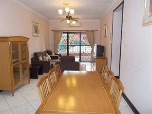 KK-Suites Residence @ Marina Court Resort Condominium Kota Kinabalu - Living Hall