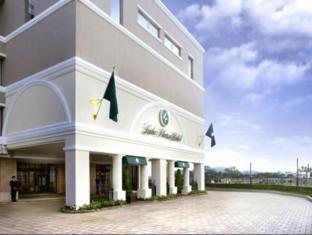 Luke Plaza Hotel