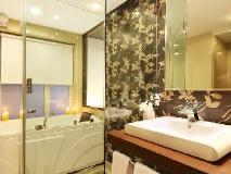 Hotel Yogi Executive: bathroom