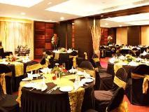 Hotel Yogi Executive: ballroom