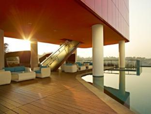 Sensa Hotel Bandung Bandung - Swimming Pool