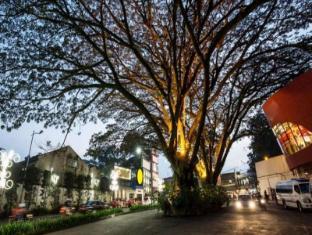 Sensa Hotel Bandung Bandung - Surroundings