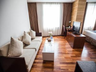 Golden Central Hotel Saigon Ho Chi Minh City - Suite Room