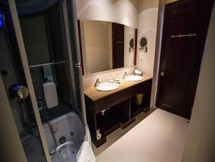 Golden Central Hotel Saigon Ho Chi Minh City - Bathroom
