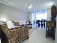 דירה עם חדר שינה אחד ונוף לים