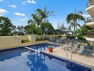 Seaview Resort Mooloolaba Sunshine Coast - Swimming Pool