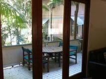 The Hastings Beach Houses: balcony/terrace
