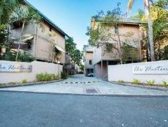 The Hastings Beach Houses | Cheap Hotels in Noosa Australia