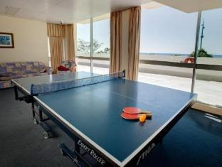 Chateau Beachside Resort Gold Coast - Table Tennis