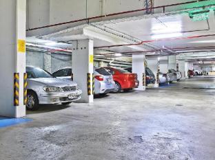 Comfort Inn & Suites Burwood Sydney - Car Park