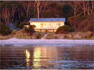 /harpers-on-the-beach-b-b/hotel/white-beach-au.html?asq=jGXBHFvRg5Z51Emf%2fbXG4w%3d%3d