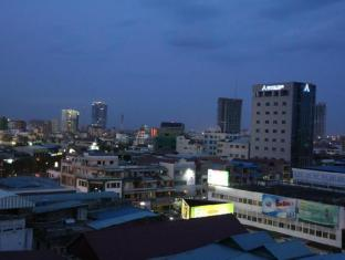 Hang Neak Hotel Phnom Penh - View from the 8th floor