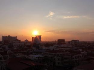 Hang Neak Hotel Phnom Penh - Sunset View