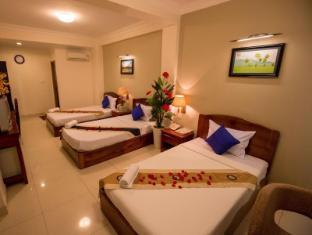 Hang Neak Hotel Phnom Penh - Triple bed