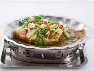 Hang Neak Hotel Phnom Penh - Steam Fish With Soy Sauce