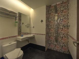 Arenaa Deluxe Hotel Malacca - Bathroom