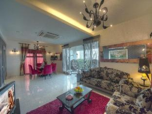 Arenaa Deluxe Hotel Malacca - Presidential Suite Living hall
