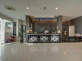 Arenaa Deluxe Hotel Malacca - Reception Desk