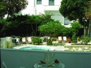 /fr-fr/atlantis-hotel/hotel/paros-island-gr.html?asq=vrkGgIUsL%2bbahMd1T3QaFc8vtOD6pz9C2Mlrix6aGww%3d