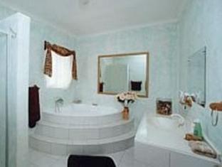 /bluewater-guesthouse/hotel/port-elizabeth-za.html?asq=vrkGgIUsL%2bbahMd1T3QaFc8vtOD6pz9C2Mlrix6aGww%3d