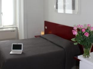 /nb-no/b-b-enjoy/hotel/rome-it.html?asq=m%2fbyhfkMbKpCH%2fFCE136qXvKOxB%2faxQhPDi9Z0MqblZXoOOZWbIp%2fe0Xh701DT9A