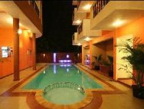 Le Seasons Beach Resort: swimming pool
