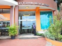 Le Seasons Beach Resort: entrance