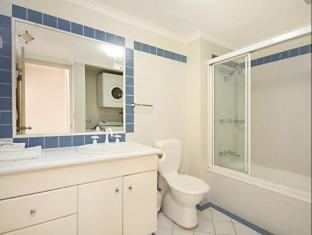 Blue Waters Apartments Gold Coast - Bathroom