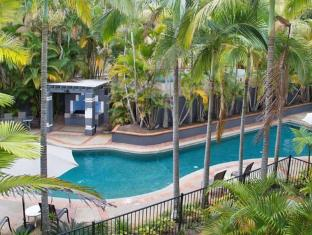Blue Waters Apartments Gold Coast - Swimming Pool