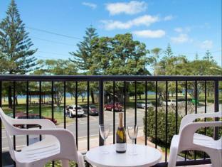Blue Waters Apartments Gold Coast - Balcony/Terrace