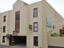 City East Motel: entrance