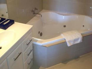 Footscray Motor Inn Melbourne - Bathroom